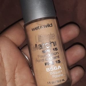 Wet and wild ultimate foundation